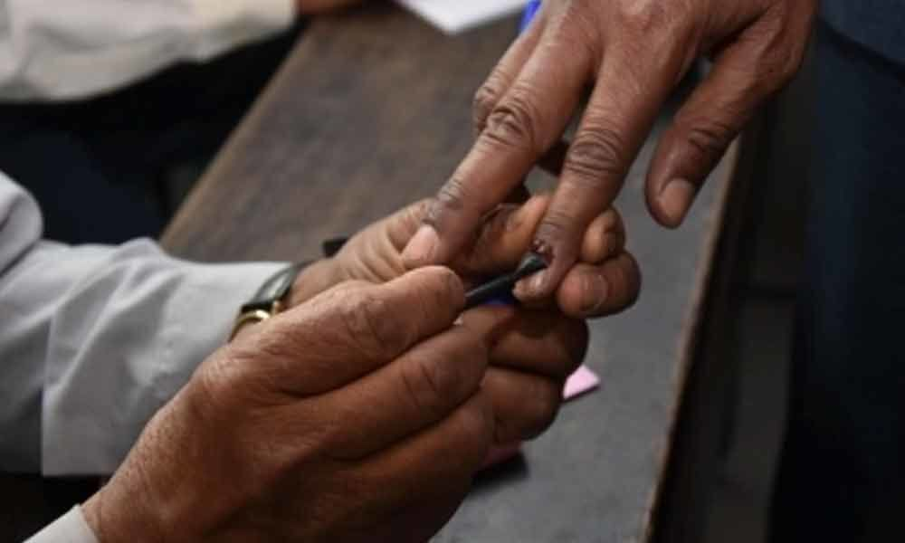 Polling begins in two LS seats in Bengal