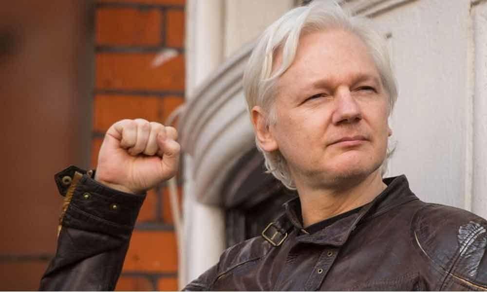 Wikileaks boss Julian Assange arrested in UK