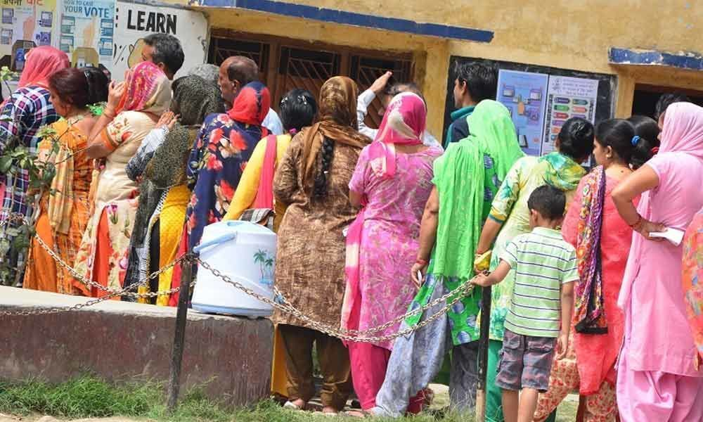 Voters enthusiasm marks first phase of polling in Jammu