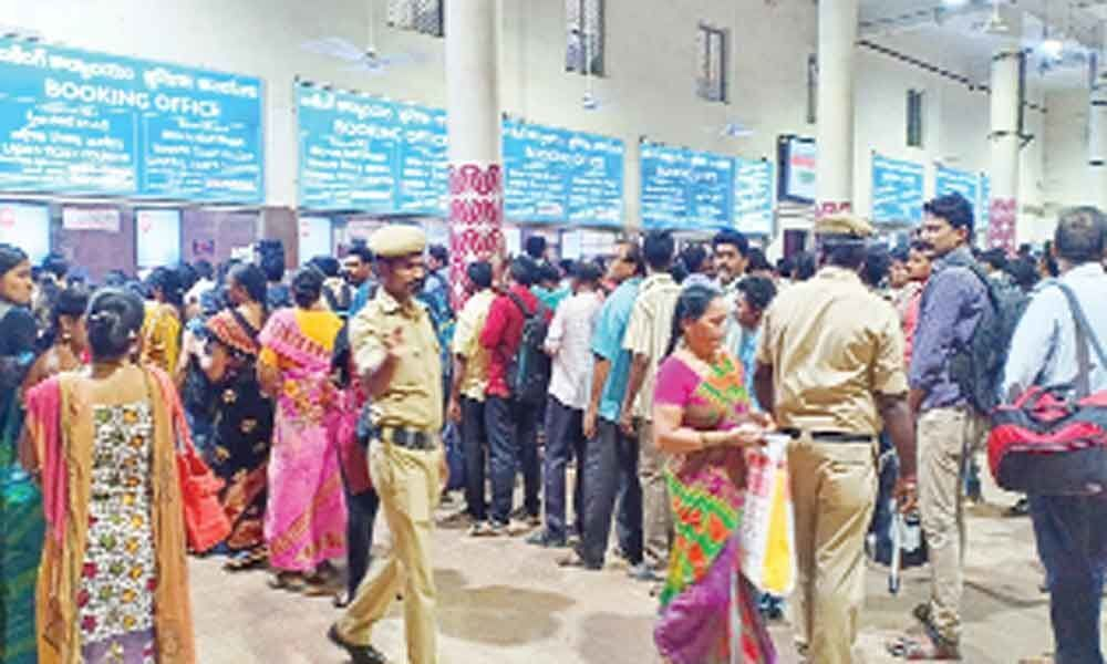South Central Railway handles record no. of passengers
