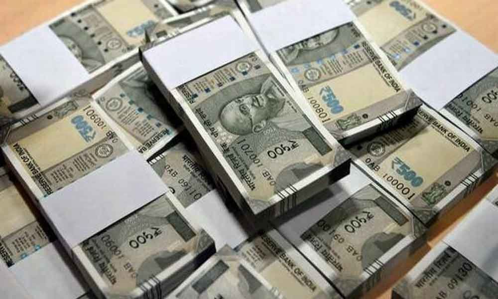 Man arrested in Kolkata with Rs 10 lakh cash