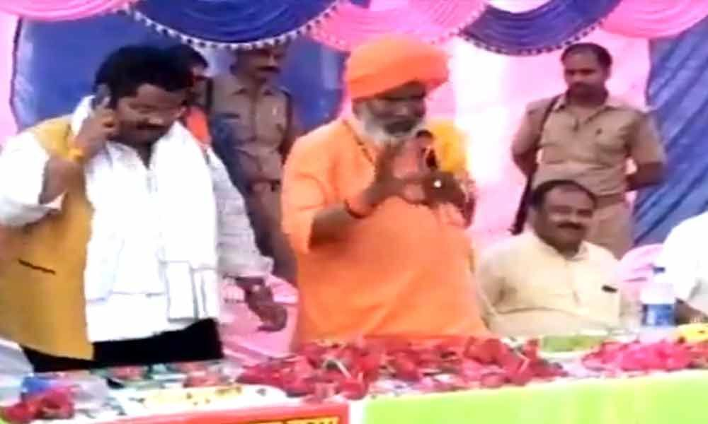Sakshi Maharaj threatens to curse people if they dont vote for him