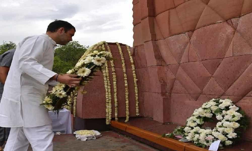Rahul, Amarinder pay homage at Jallianwala Bagh