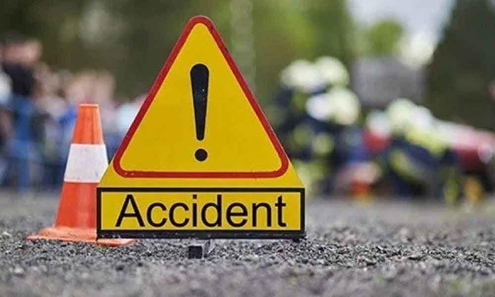 Maharashtra: 3 dead, 4 injured in road mishap near Nashik