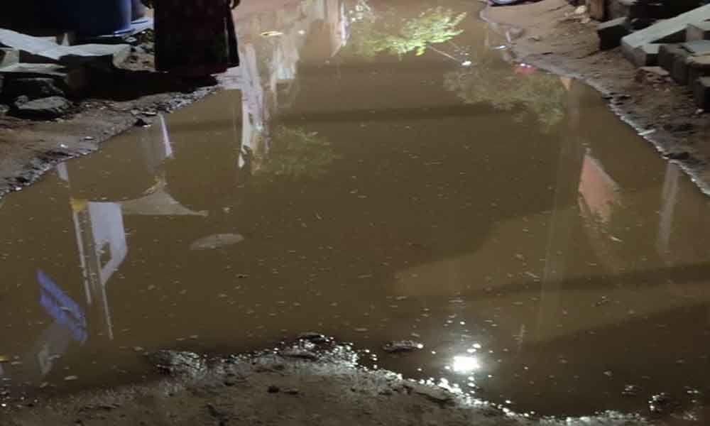 Sewage flows unchecked at Krishna Nagar Colony