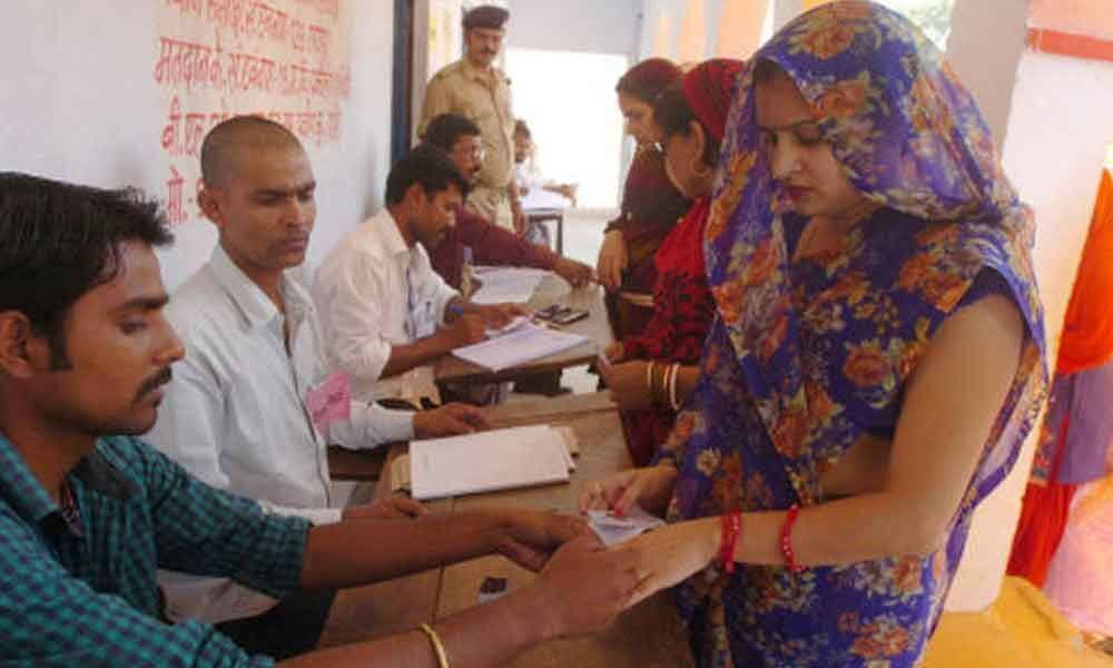 Polling on for Maharashtras 10 LS seats
