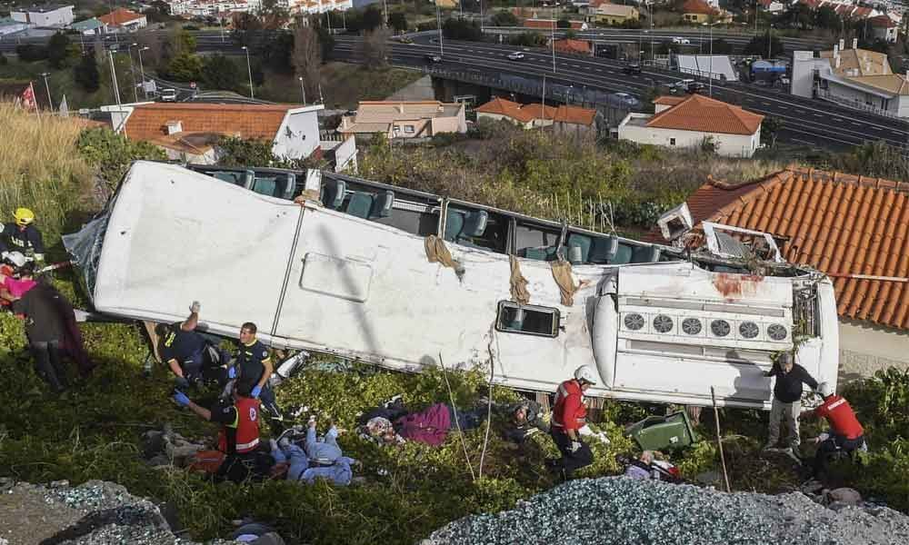 29 casualties reported after tourist bus crashes in Portugal
