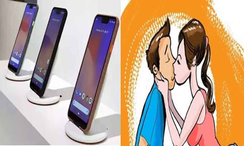 This Pixel camera phone can capture your kissing selfie