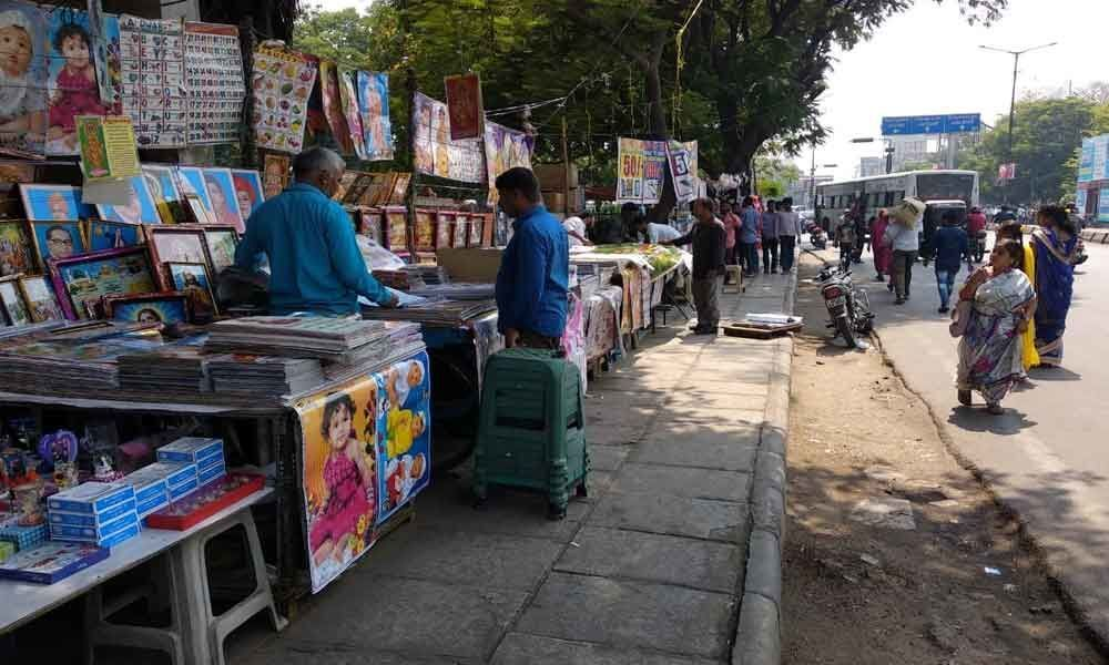 Footpath vendors to be finally shifted