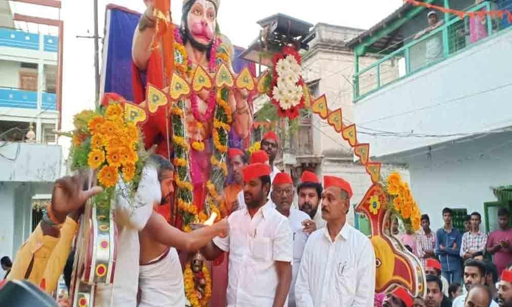 Mass feeding, rallies mark Hanuman Jayanti celebrations