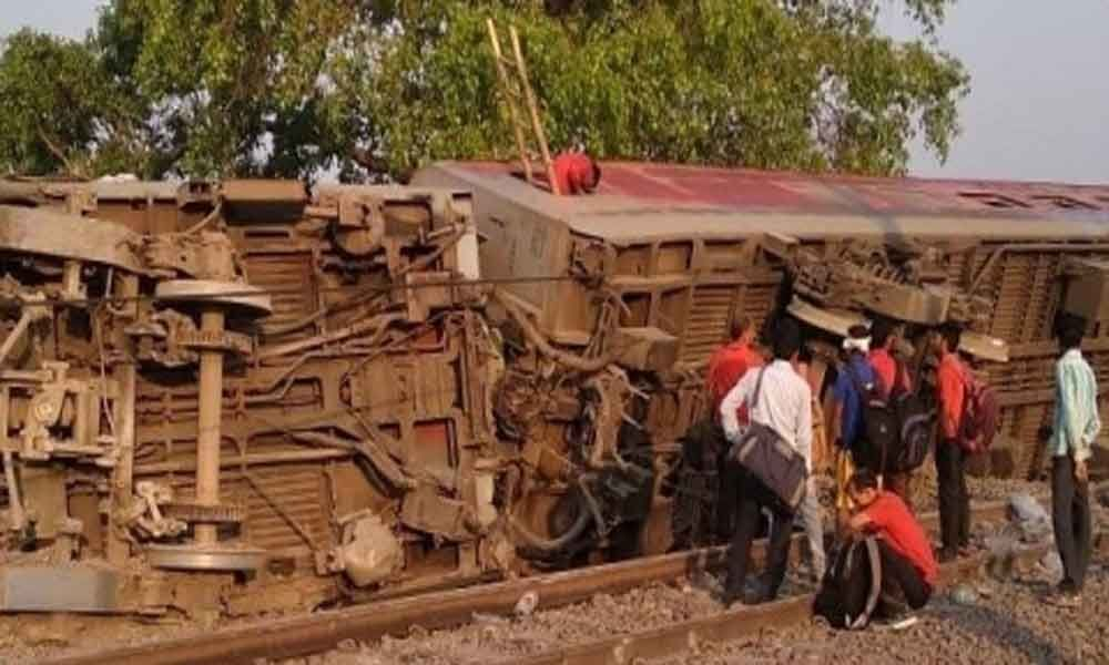 13 injured as train derails near Kanpur