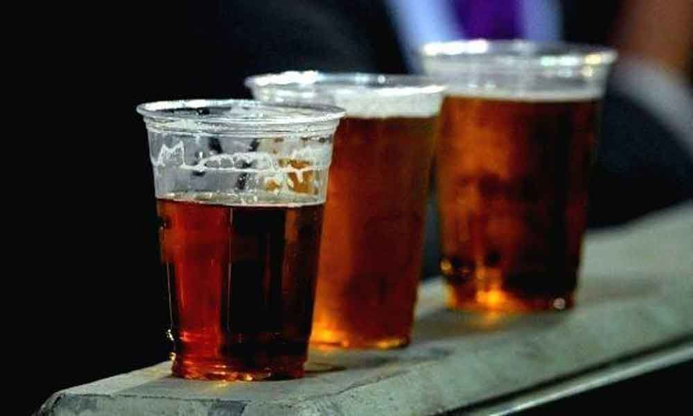 One dead after consuming spurious liquor in UP