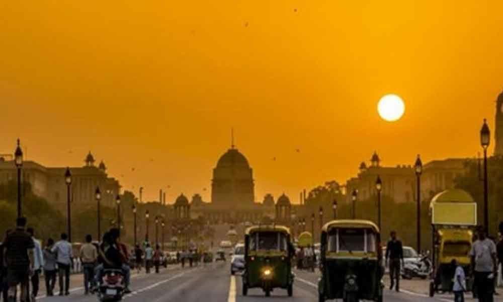 Sunny Sunday morning in Delhi
