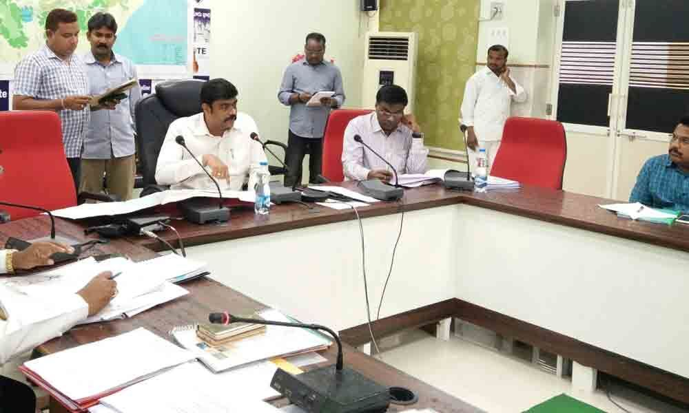 Collector rues as officials keep 20k grievances pending in Vizag