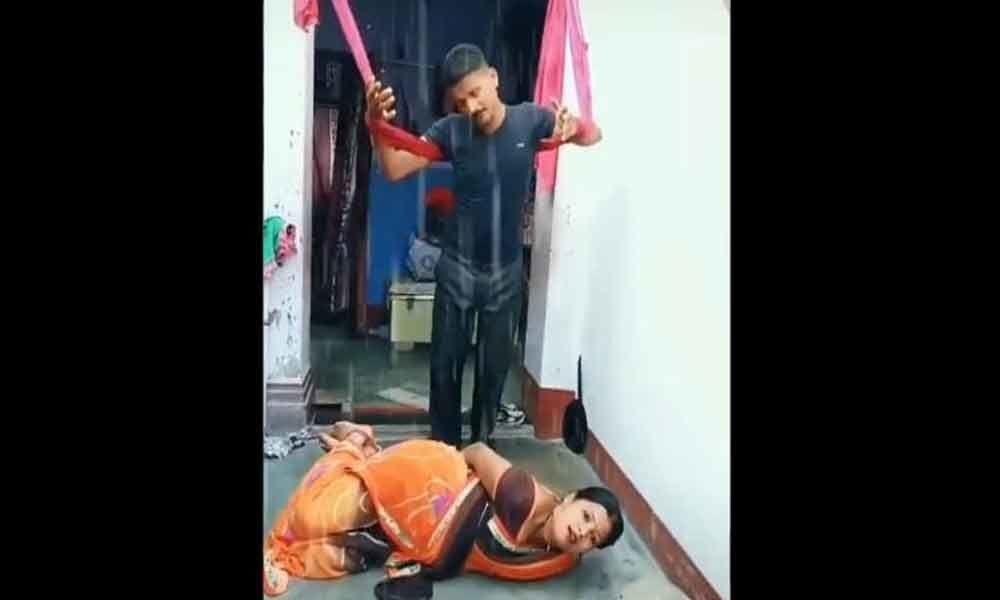 Video of a couple Trying to recreate the iconic scene of Manoj Kumar and Hema Malini song in TikTok Viral Video. Internet creates Gaga