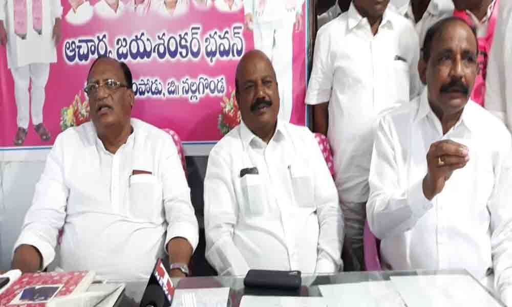 Gutha prepares cadres for Parishad polls