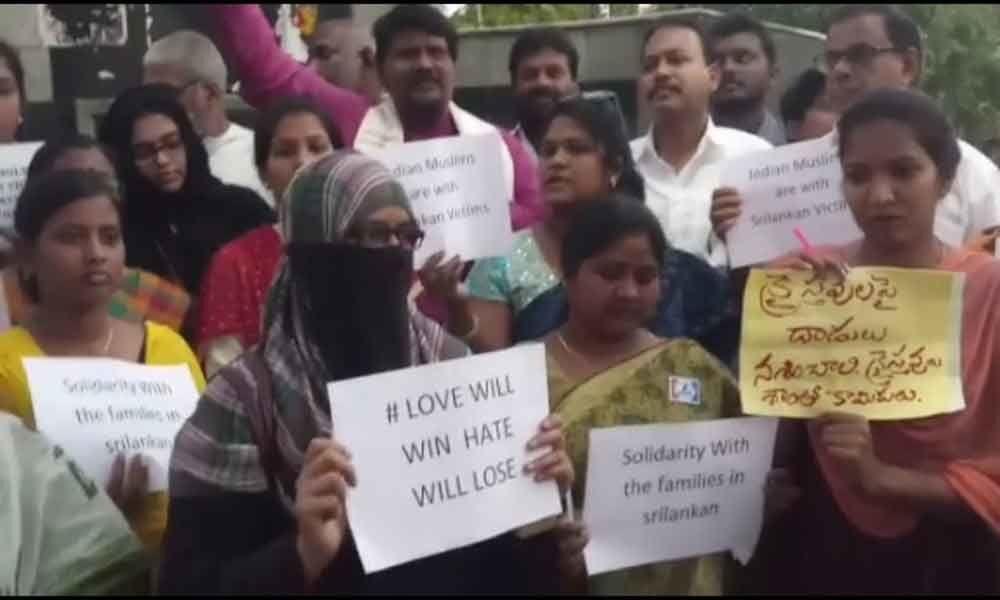 Tributes paid to Sri Lanka victims