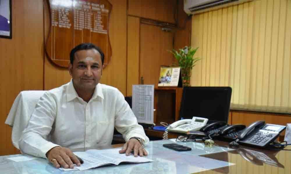 New DRM  Chetan Kumar Shrivastava takes charge