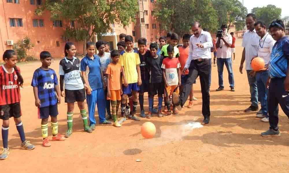 Sports enhances memory: VMC Commissioner