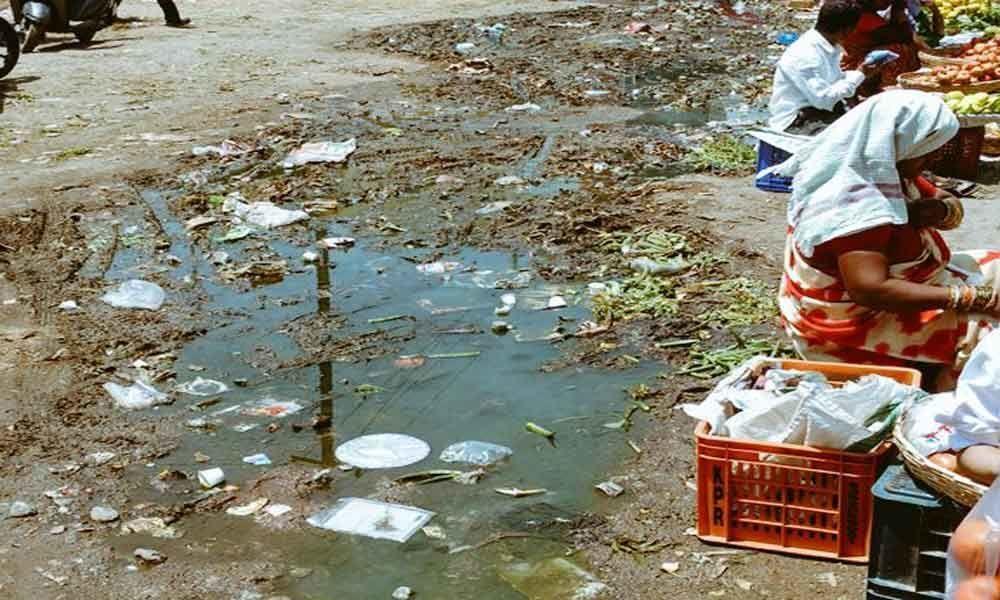 Sewage stench at Rythu Bazaar