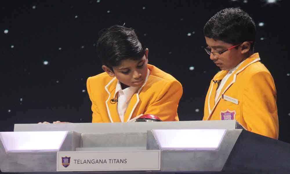 2 students for semis of Discovery Super League