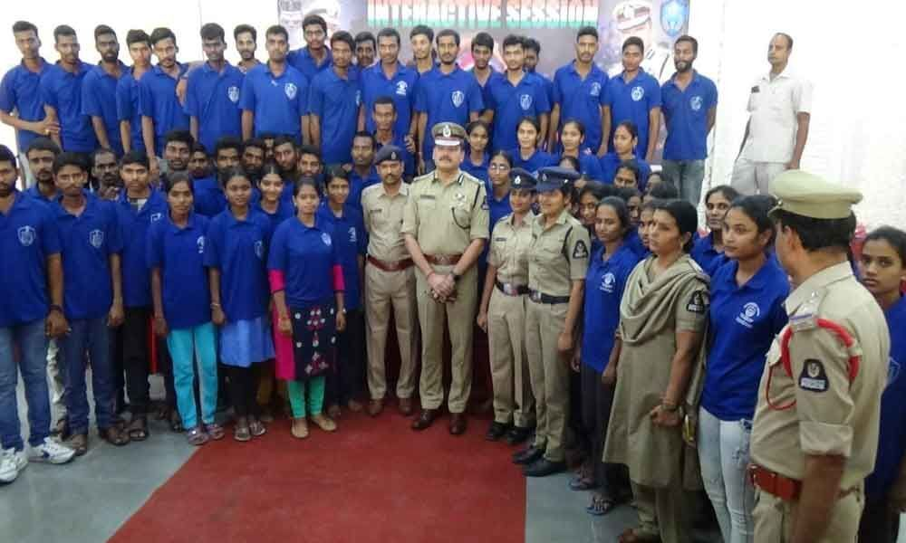 Free training for SI, constable aspirants