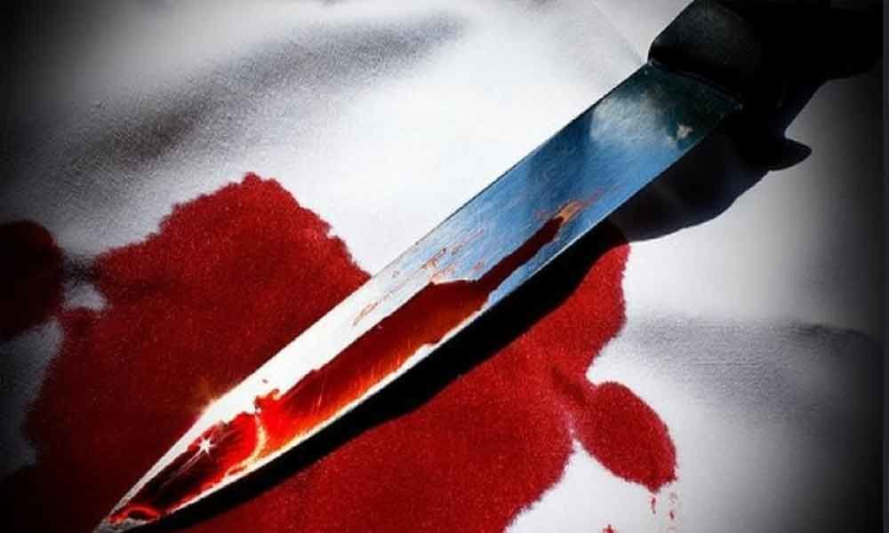 Man kills estranged wife, assaults daughter
