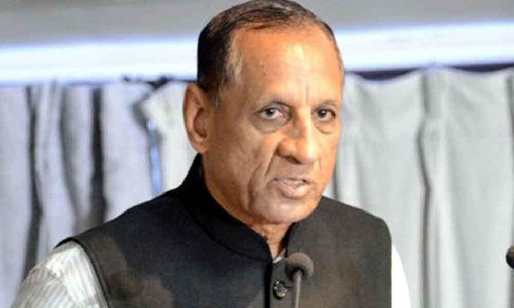 Telugu states DGPs met the Governer at Rajbhavan, discussed on division of police staff
