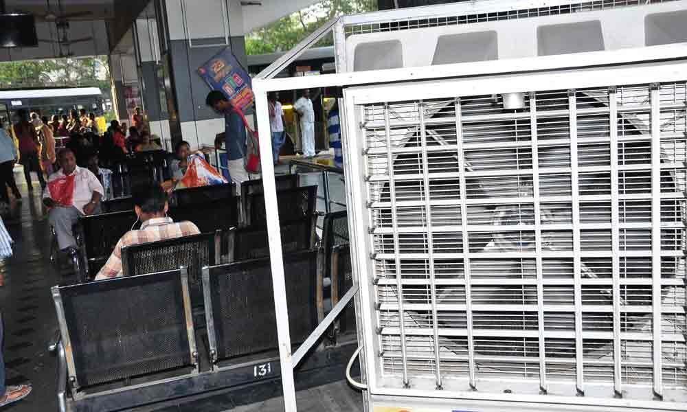Air coolers at platforms