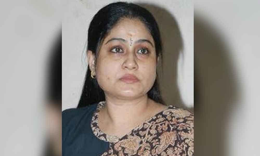 Modi copied KCRs strategy on defections: Vijayashanthi