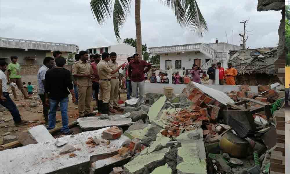 9 hurt in crude bomb explosion in Srikakulam
