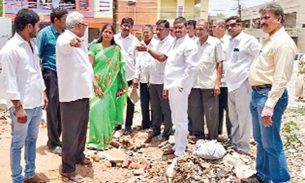 Corporator Alakunta Saraswathi inspects conditions in colonies