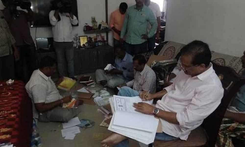 ACB Officials raided the house of Commissioner of commercial taxes Kadapa