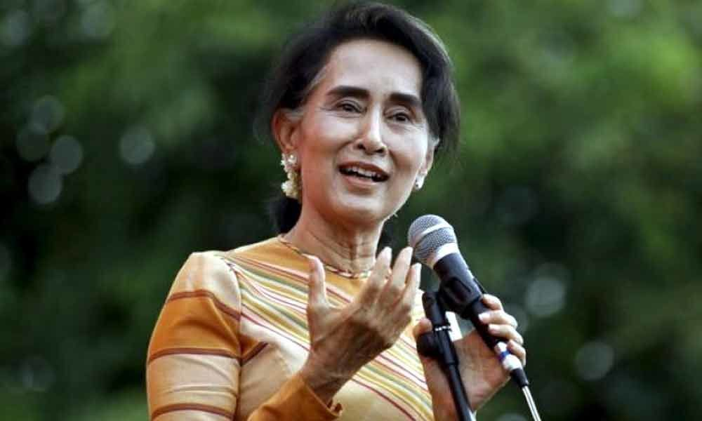 Aung San Suu Kyi tries to save face with Myanmar reporters release
