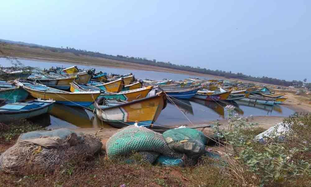 Fishermen demands government to hike aid to 12000 during ban