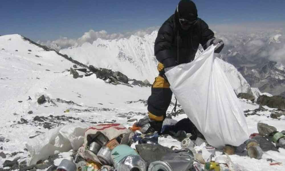 Five tons of garbage collected from Mount Everest