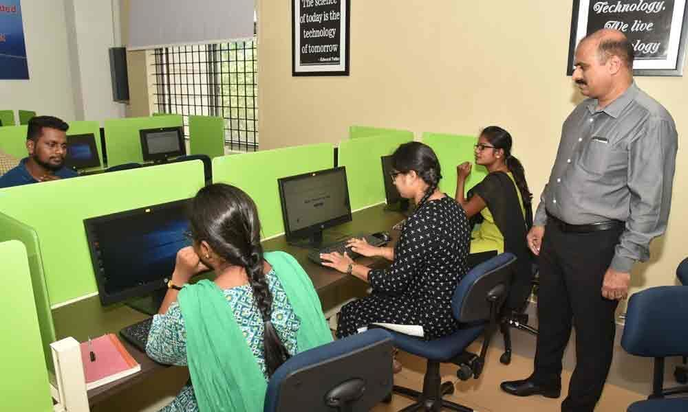 E-learning facility proves a big draw for booklovers