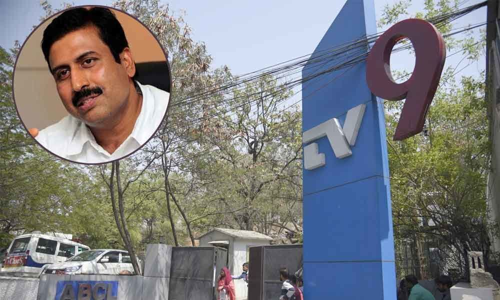 News channel CEO, Sivaji booked for cheating