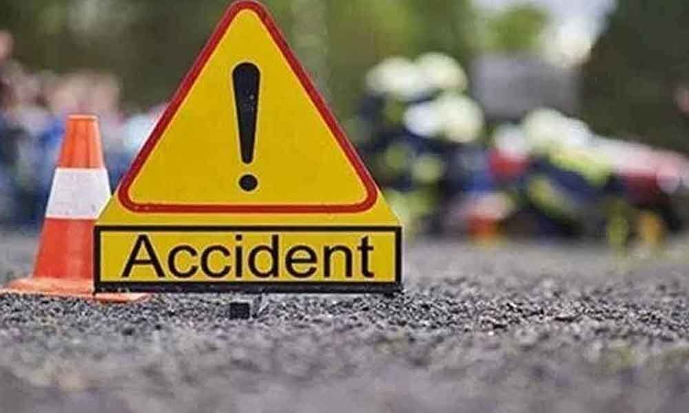 One died, 10 injured as tractor overturns in Krishna district
