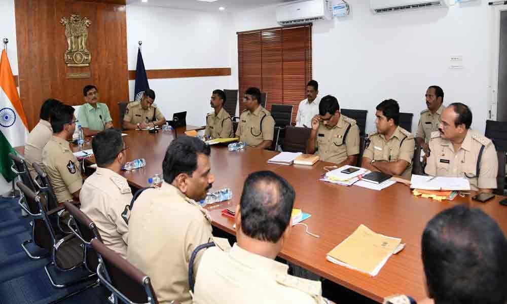 DGP conducts review meet with police officials