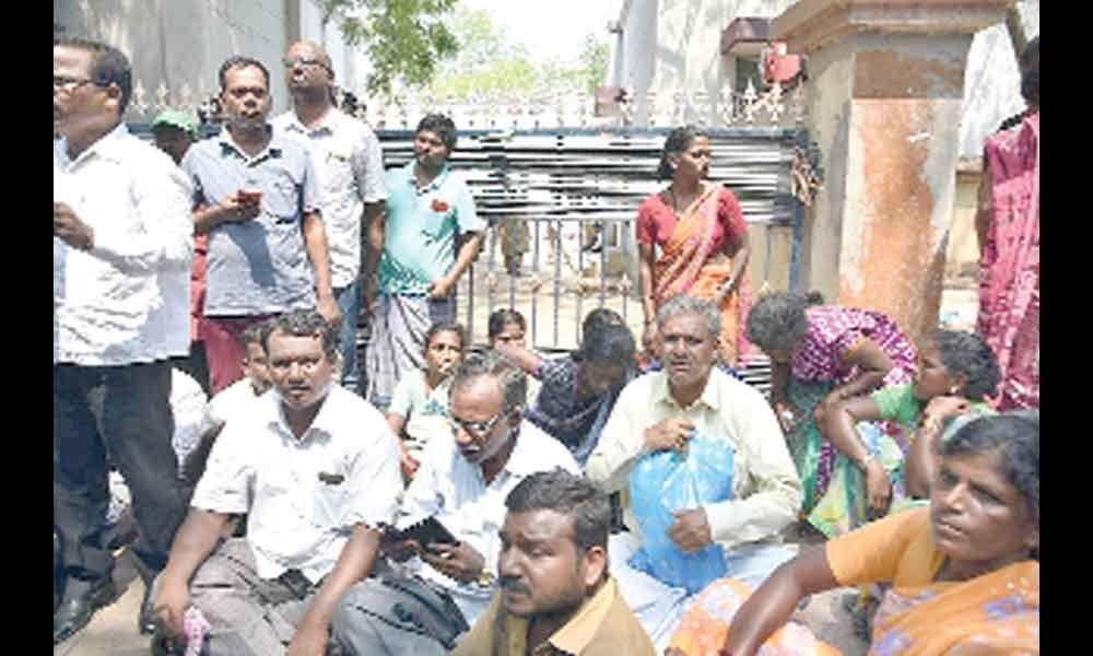 Veldurthi Tragedy : Post-mortem held amid tension