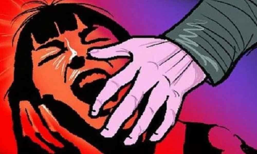 J&K separatist calls for strike over rape of 3-yr-old girl; disrupts normal life