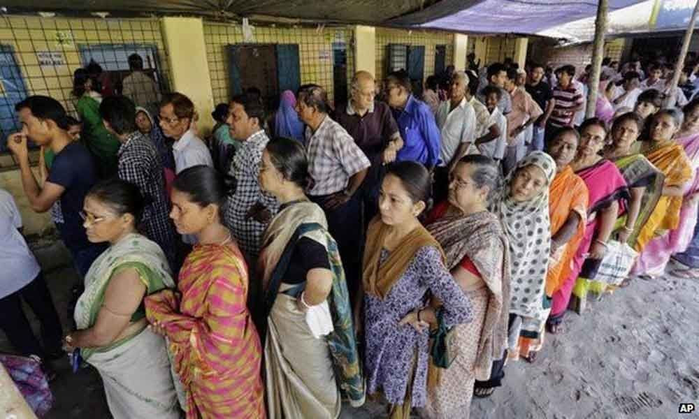 Mixed voting pattern baffles pollsters