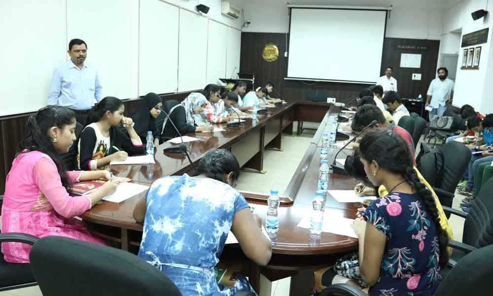 Extensive with English course begins at English and Foreign Languages University