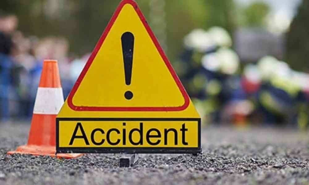Car accident near CM camp office at Undavalli