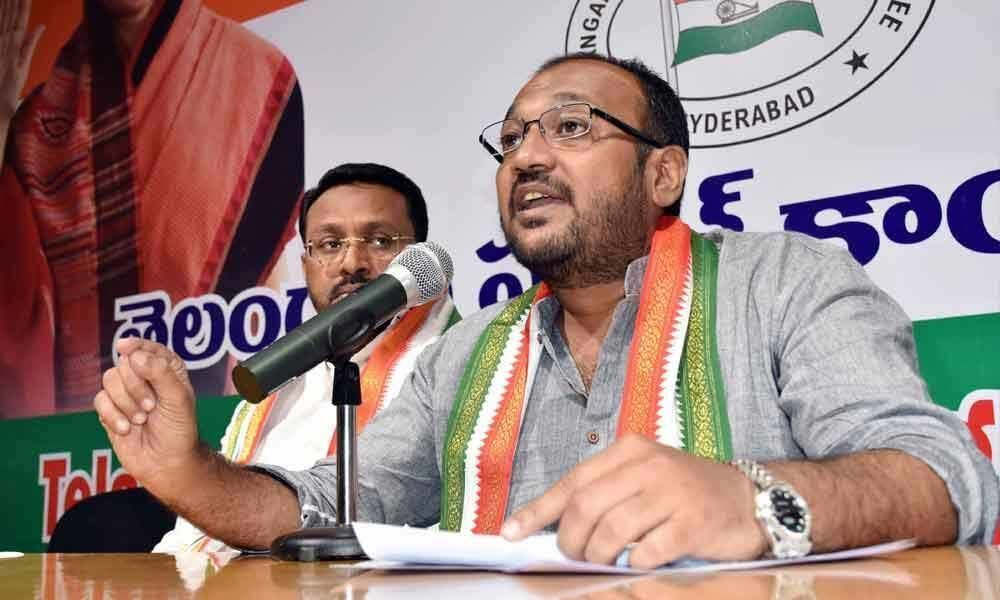 TRS Govt cheating jobless minority youth: Congress