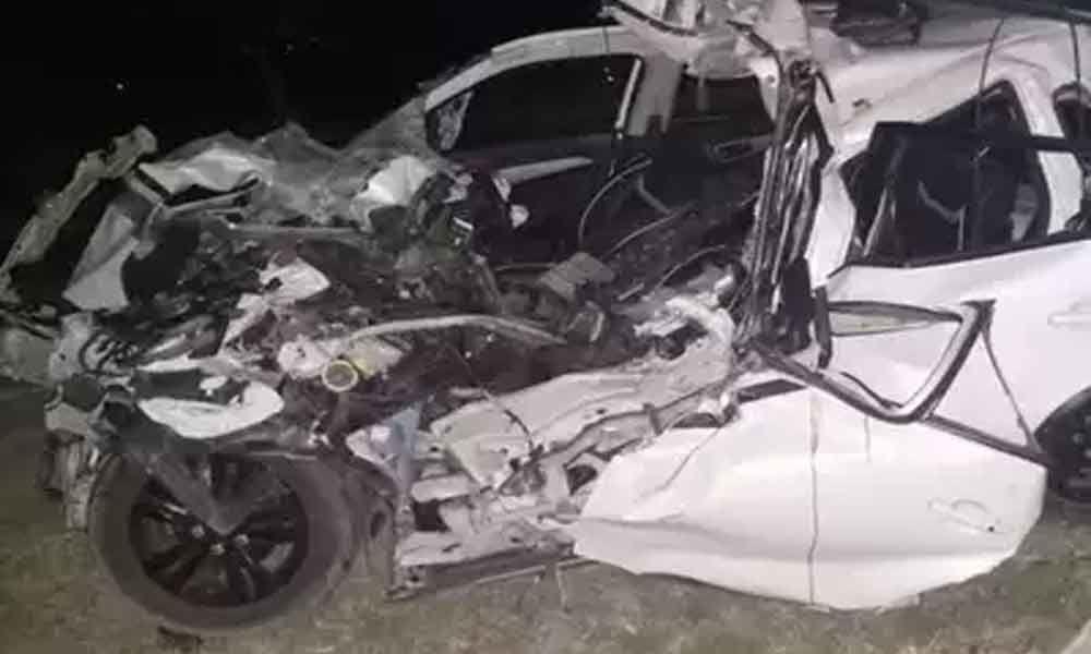 6 dead in road accident in UPs Deoria