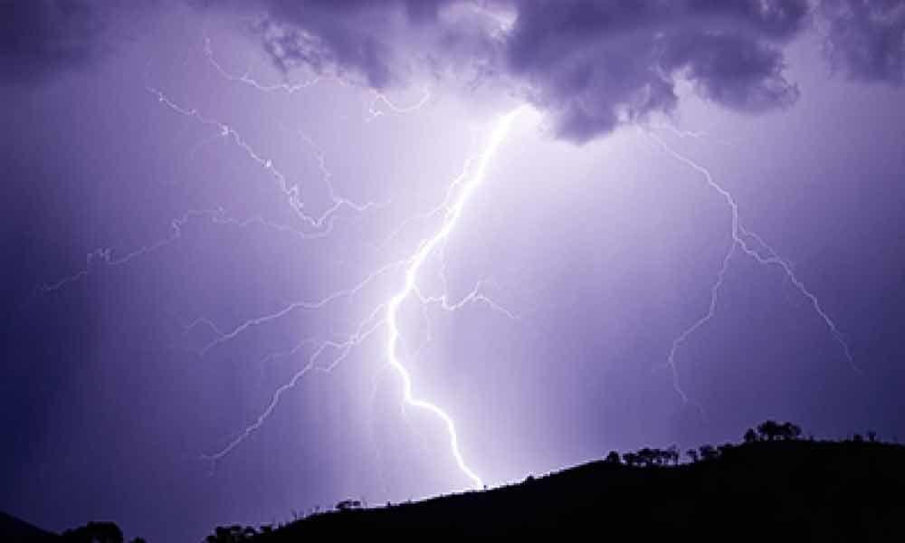 19 Year Old dies in Kurnool as lightning strikes