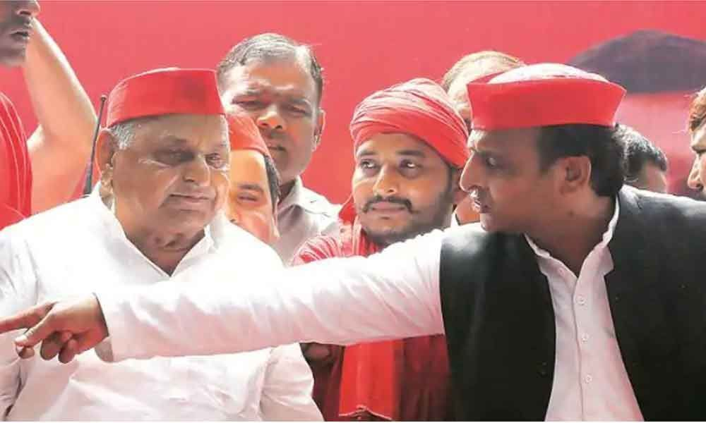 Father-son duo Mulayam and Akhilesh Yadav cleared from disproportionate assets case