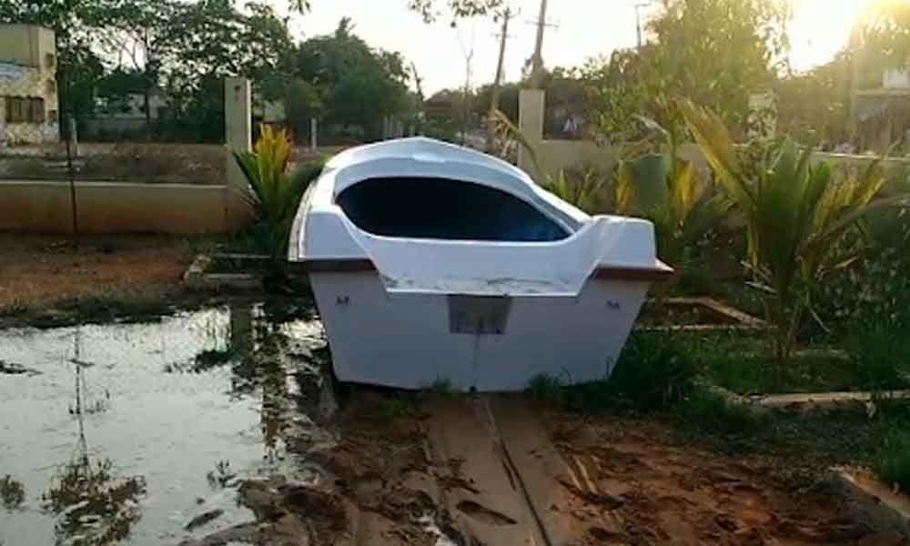 Empty Sri Lanka boat creates flutters in Nellore